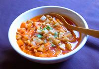 塩で味を整え、器に盛る。パルメザンチーズとパセリをふりかければ出来上がり!