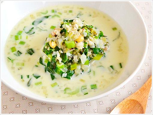 小松菜と雑穀の食べるスープ