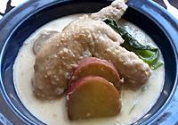 牛乳を加え、一煮立ちしたら火を止め、塩で味を整える。コクが足りない場合は好みで、鶏ガラスープの素を少量加えて出来上がり!