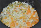炊きあがったらバターを加えて混ぜ、器に盛ってパセリを散らせば出来上がり!